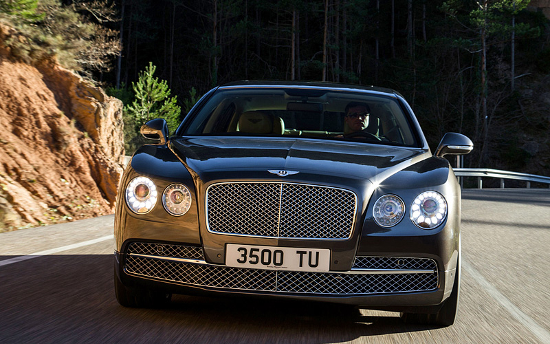 Фото Bentley Flying Spur