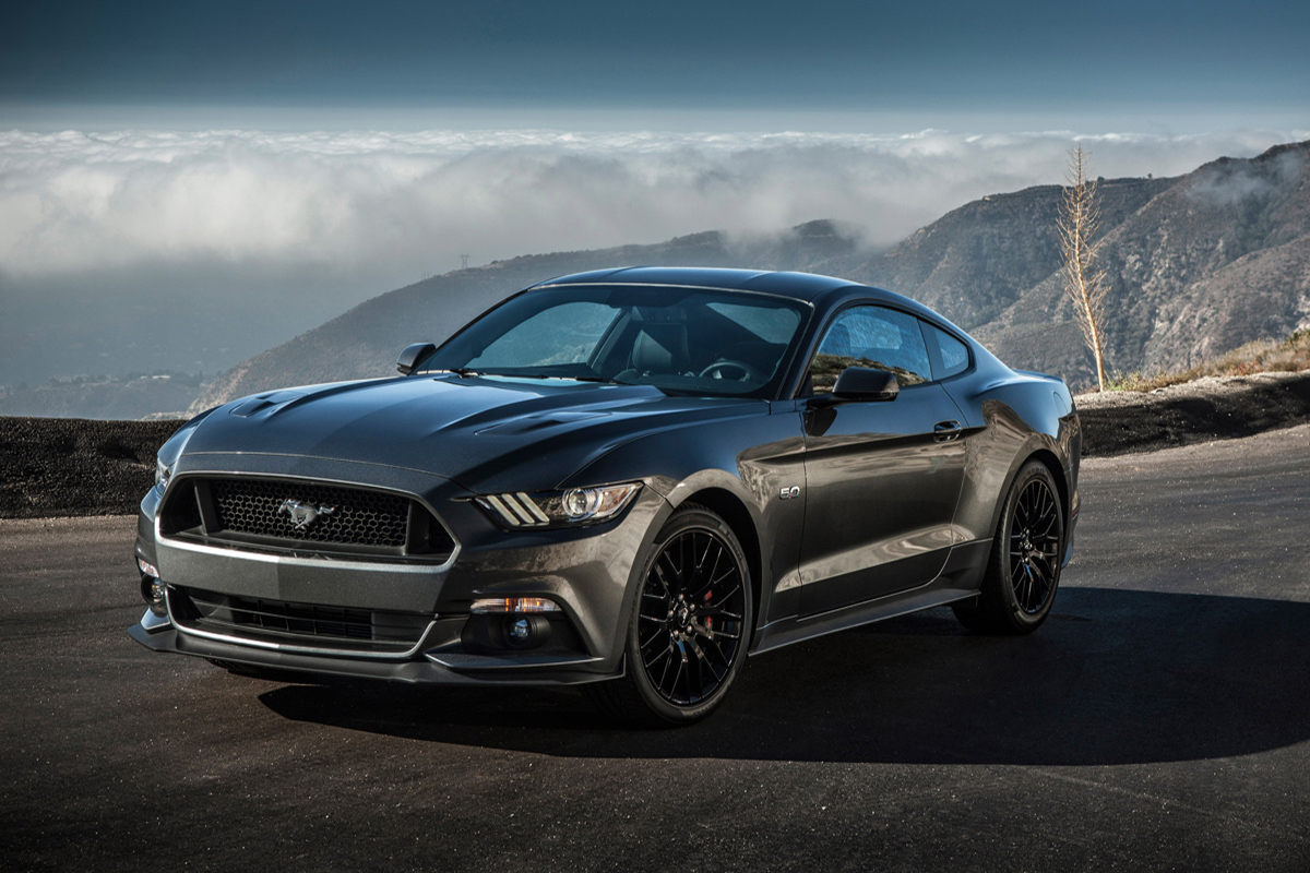 Фото Ford Mustang GT