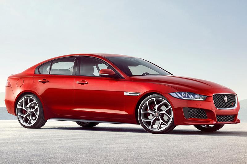 Фото Jaguar XE