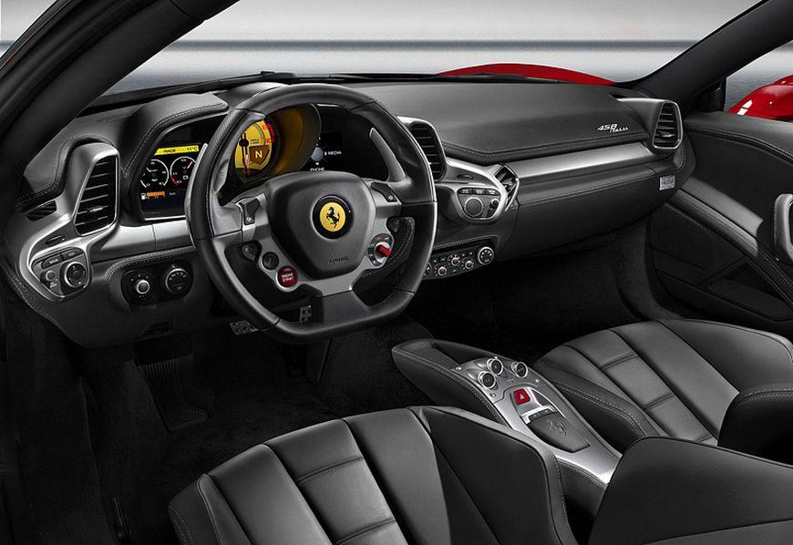 салон Феррари 458 Италия