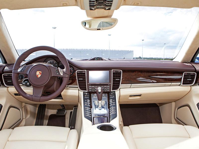 салон Porsche Panamera Turbo S